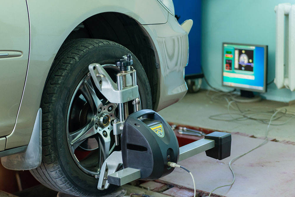 How Do I Know If My Car Needs An Alignment? - Trinity Automotive